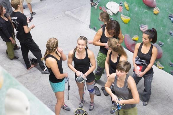 2016-boulderwelt-regensburg-event-spasswettkampf-soulmoves-sued-9-bouldern-klettern-1545