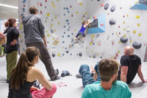 2016-boulderwelt-regensburg-event-spasswettkampf-soulmoves-sued-9-bouldern-klettern-1642
