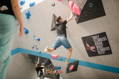 Am 30.11.2019 war die dritte und letzte Runde der diesjährigen Soulmoves Süd bei uns in der Boulderwelt Regensburg zu Gast. Über 420 Teilnehmer tüftelten gemeinsam an den 35 Boulderhighlights!
