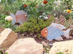 Poissons en terre pour décorer vos massifs de fleurs