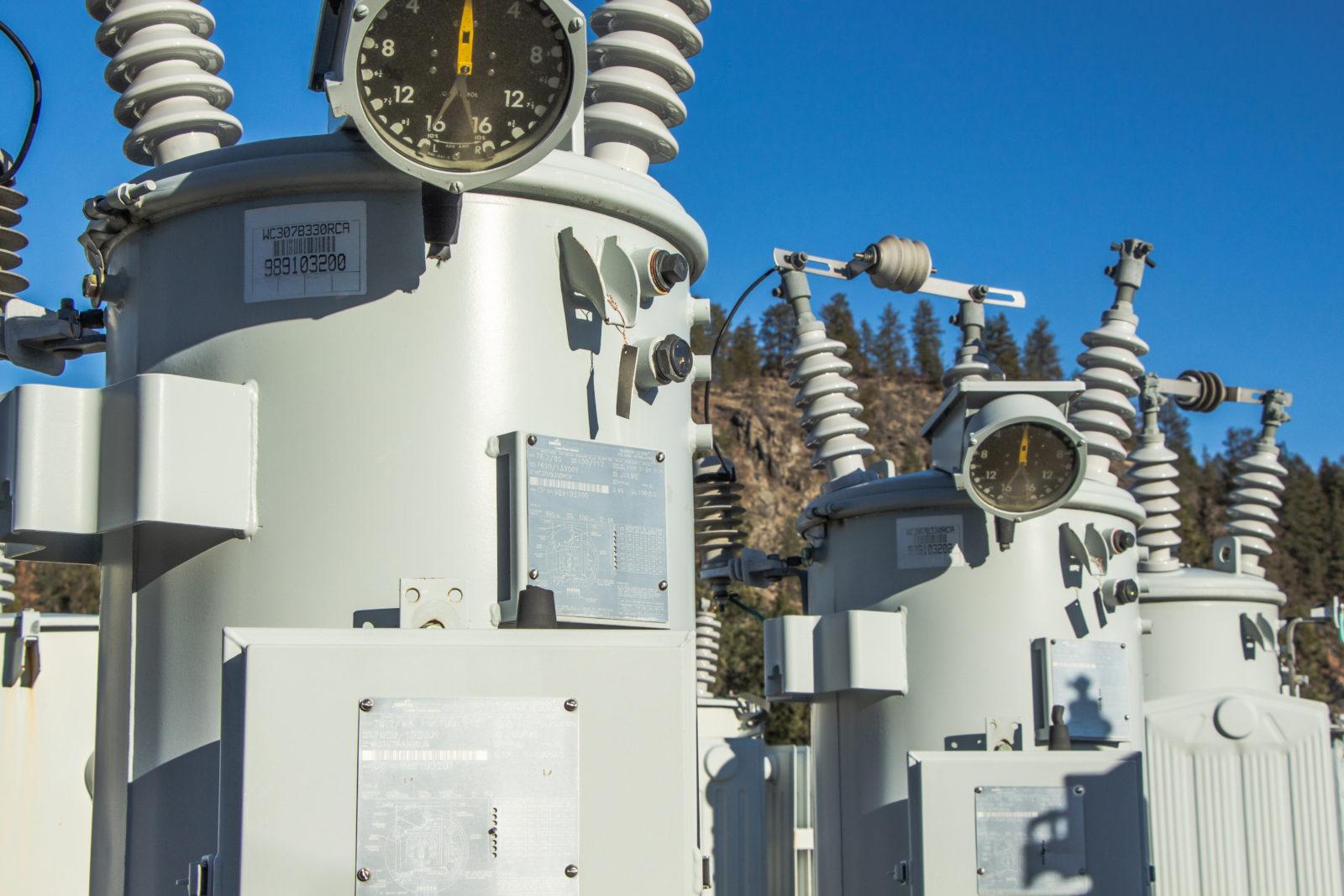 hight resolution of voltage regulator supply distribution