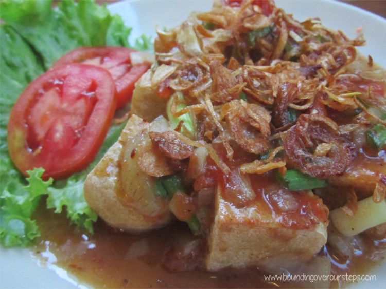 Deep Fried Tofu appetizer at Anchan Vegetarian Restaurant, Chiang Mai