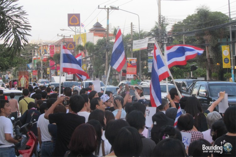 Thai protesters supporting a change in government