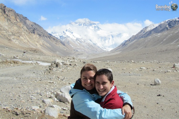 Lesbian couple makes it to Everest!
