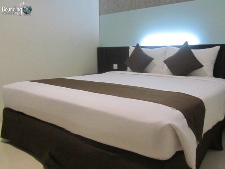 Hotel 88 Embong Kenongo - Surabaya - Bed