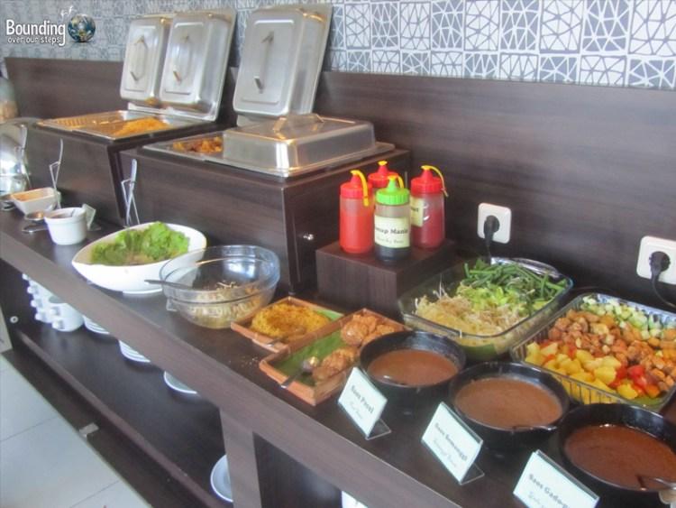 Hotel 88 Embong Kenongo - Surabaya - Breakfast