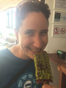 Vegan in Croatia - Stixberry - Mindy with her popsicle