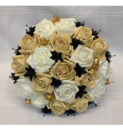 Beau Bouquet De Marie Rond Avec Des Roses Noires Caramel
