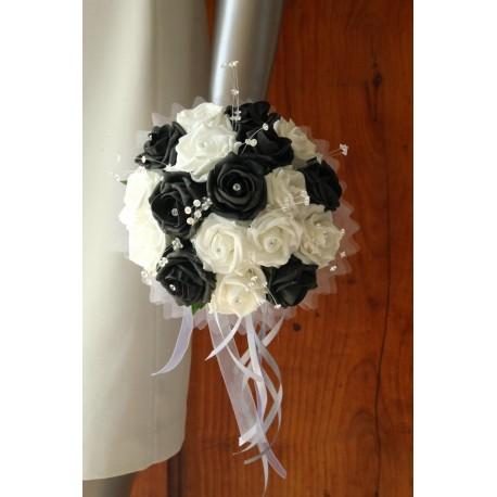 Bouquet mariee rond couleur noir et blanc avec des