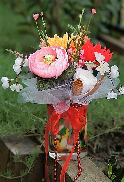 candle bouquet-ferrero-rocher-where to buy luxury-gift-present