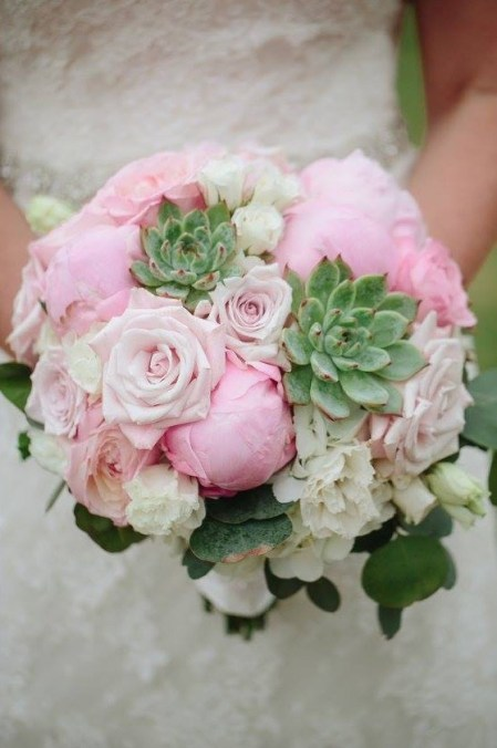 Pink peony and succulents for a summer bride.