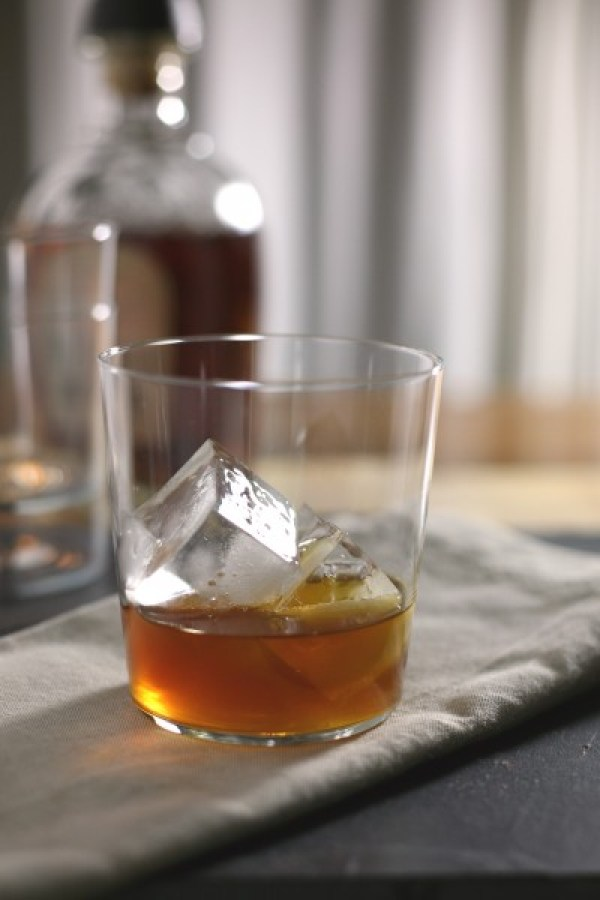 Bourbon and Ginger Cocktail   BourbonAndHoney.com