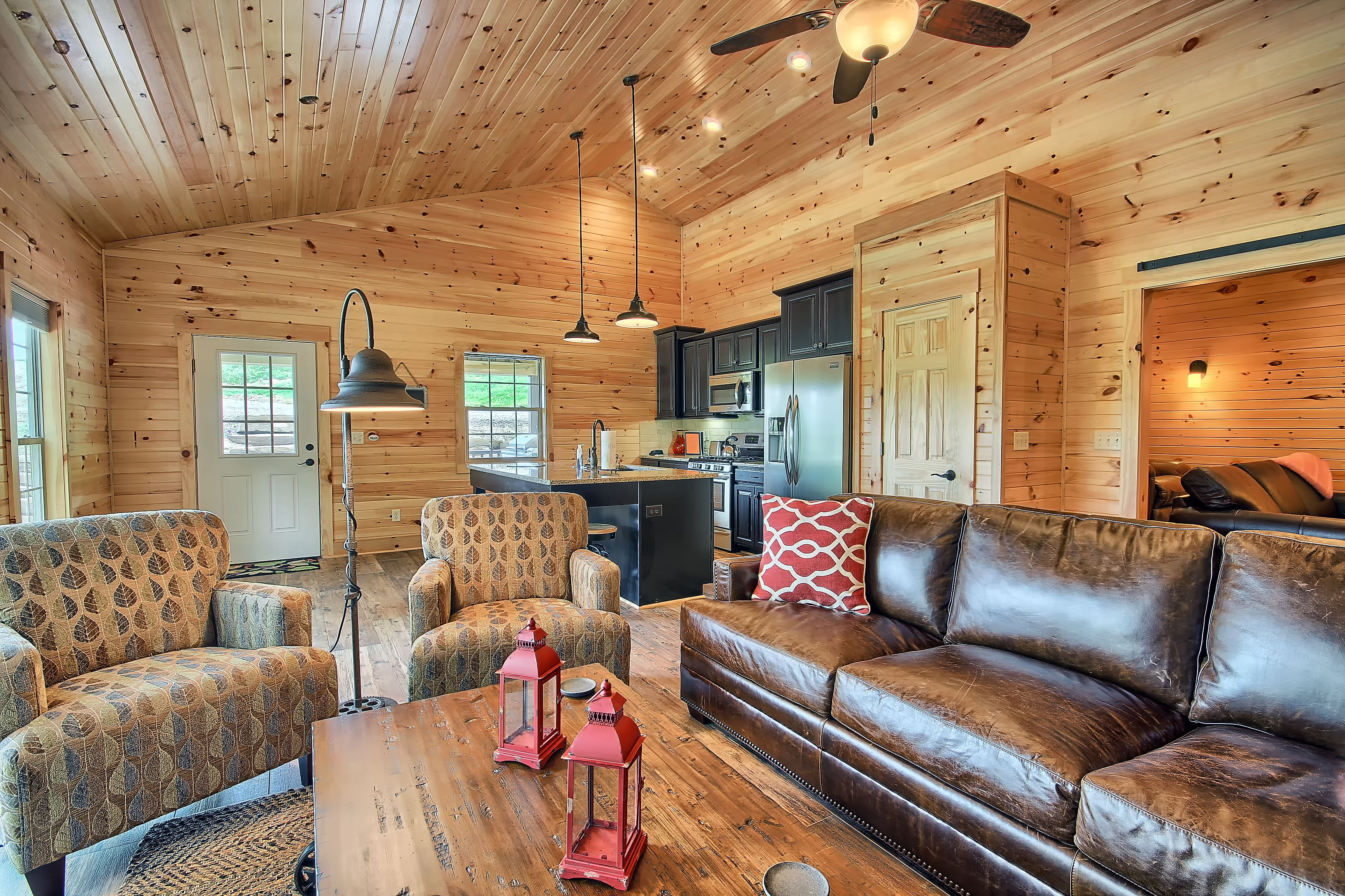 The Bookers Luxury Cabin  Bourbon Ridge Retreat  Hocking