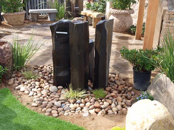 xeriscape landscaping- water fountain