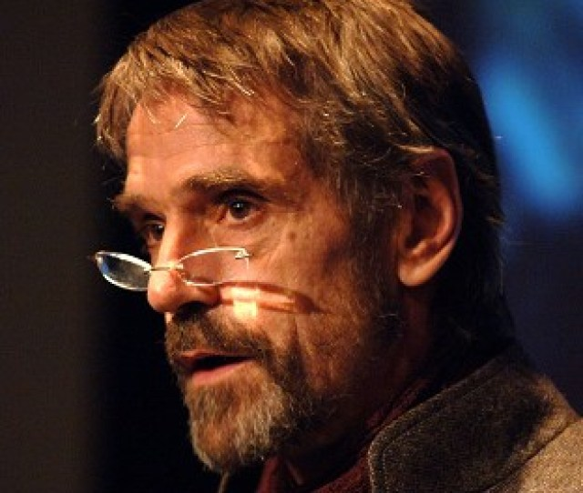 Jeremy Irons Will Lead Radio S Christmas Day Schedule Reciting T S Elliotts Old Possums Book Of