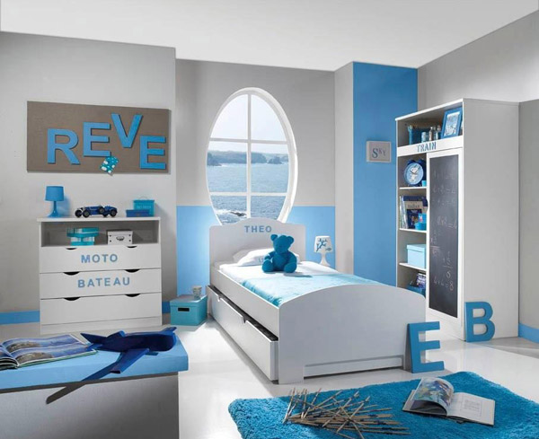 deco chambre garcon bleu et blanc