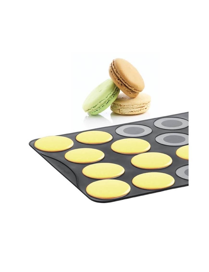 https www boutique poubeau fr fr moules en silicone 1621 plaque en silicone pour 18 grands macarons mastrad 3485990454014 html
