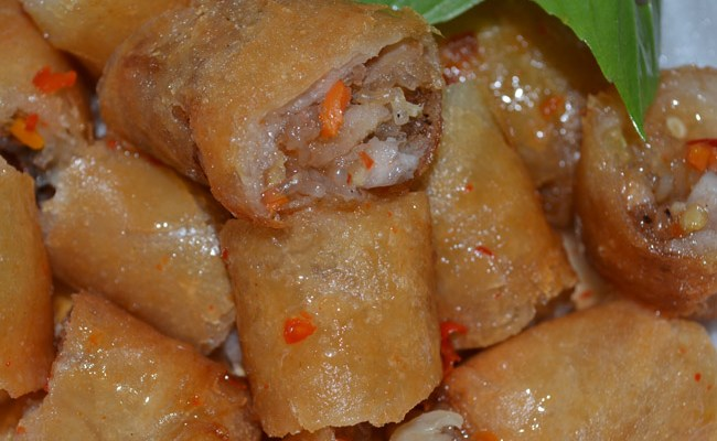 Poh Pia Tod (Spring Rolls)