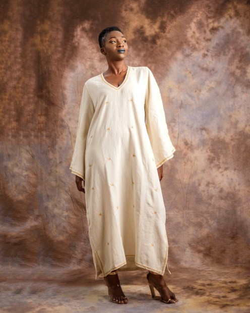 Boubou-brodé-a-la-main---hand-embroidered-Dress-in-hand-weave-cotton-by-Mable-Agbodan-2