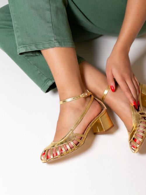 סנדלי עם רצועות – מוזהב