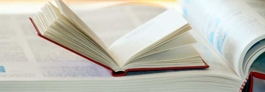 kleines Buch in großem Buch