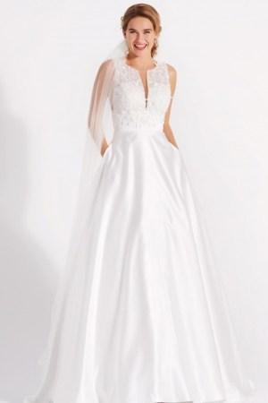 robe de mariée en satin et broderies col v tendance 2022
