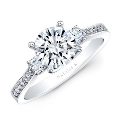 18K WHITE GOLD THREE STONE DIAMOND ENGAGEMENT RING NK29675 18W - 18K WHITE GOLD THREE STONE DIAMOND ENGAGEMENT RING NK29675-18W