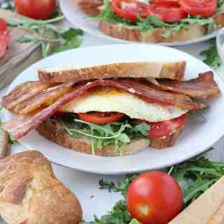 Breakfast BLTs with Spicy Mayo and Arugula