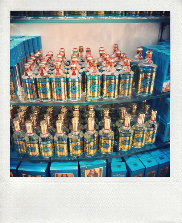 koln cologne eau spa water parfum perfume