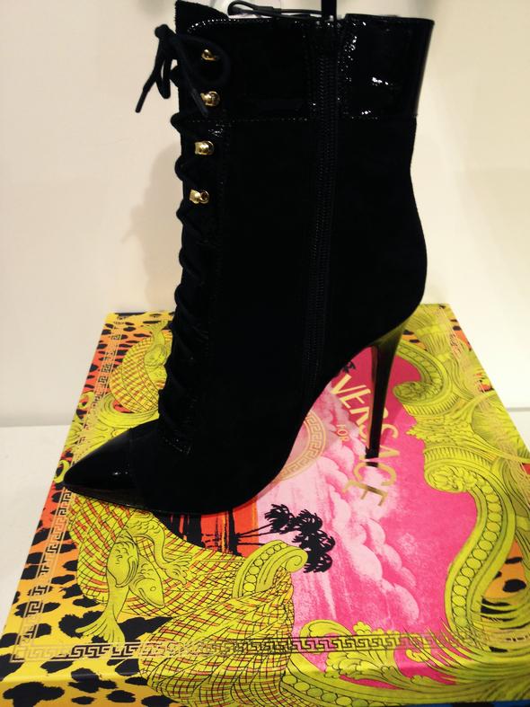 bottines noires versace for h&m