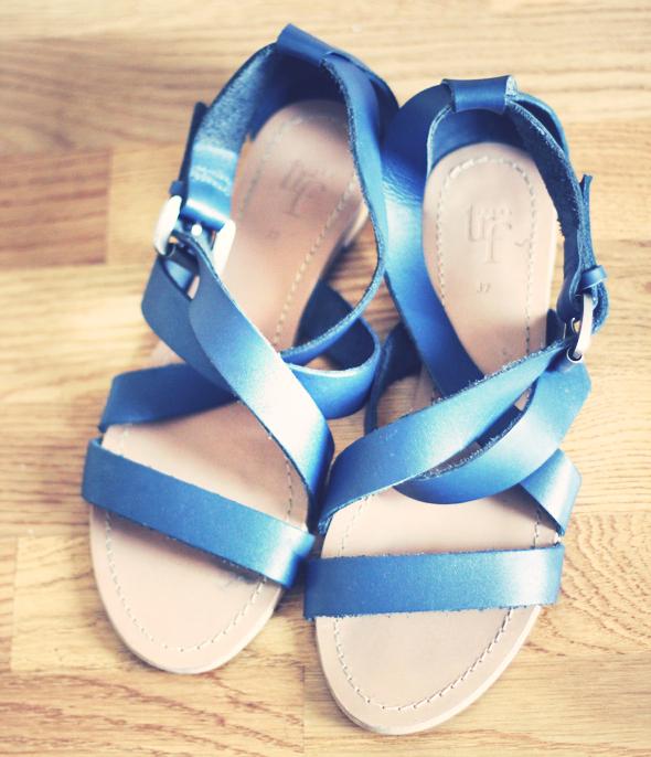 zara trf sandales en cuir bleu