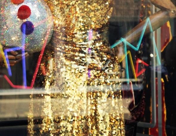 vivienne westood robe dorée