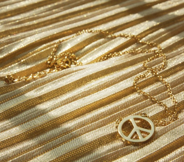 collier peace and love dore