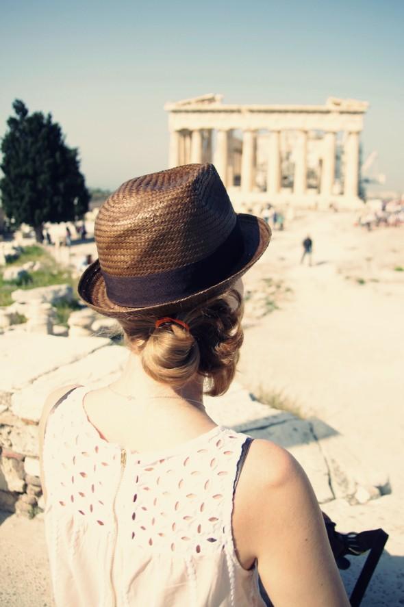 conscious athenes chapeau