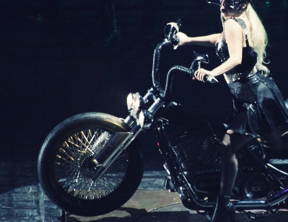 --lady gaga palau sant jordi 2012 monster ball born this way concert show concierto_effected