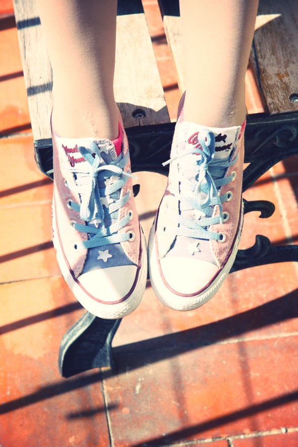 _converse wonder woman ox low shoes sneakers_effected
