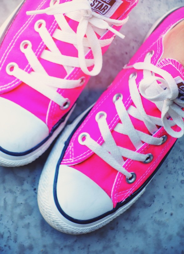 hot pink rose neon fluo converse low lo high_effected
