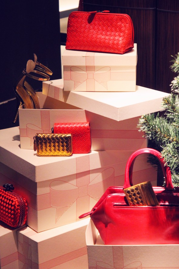 botega venetta christmas bag sac shoes_effected