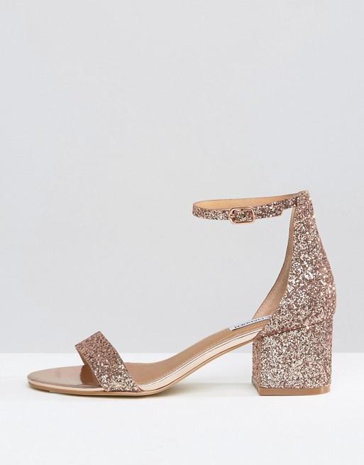 sandales brillantes