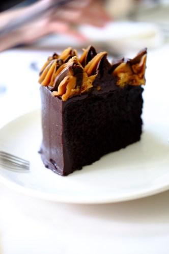 peanut_butter_chocolate_layer_cream_cake_gateau_singapore_singapour_brunch