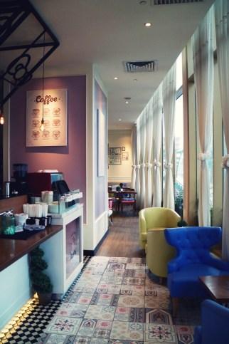 Malaysia_malaisie_hello_kitty_gourmet_cafe_sanrio_kawaii_food_cake_coffee_yummy_asia_5_effected