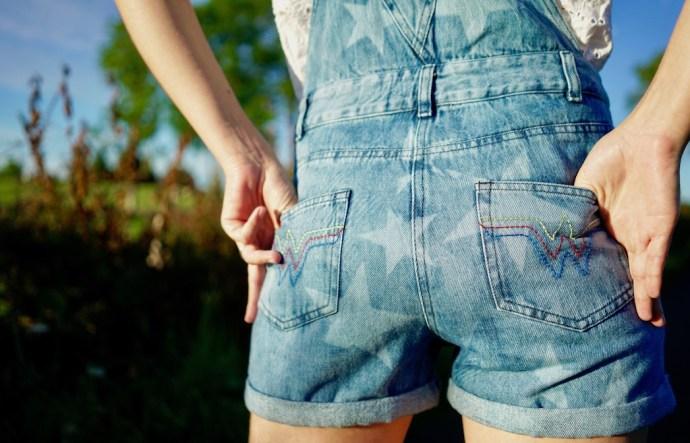poches arrieres salopette en jean