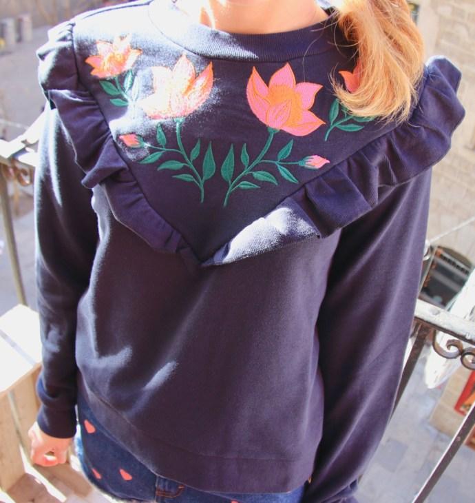 sweater volants fleurs