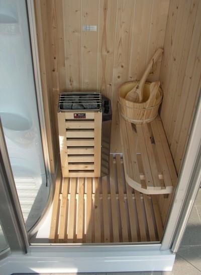 Centro benessere con idromassaggio e bagno turco