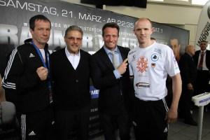 Karsten Röwer, Peter Hanraths, Kalle Sauerland und Jürgen Brähmer - Wiegen in Rostock