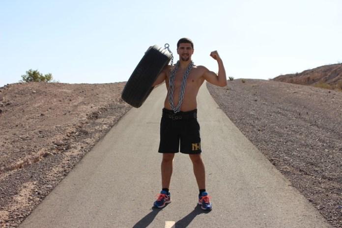Huck - Reifen mit einer Stahlkette die Berge in der Wüste Nevadas hoch ziehen / Foto: HSP / Phillip Gaetz