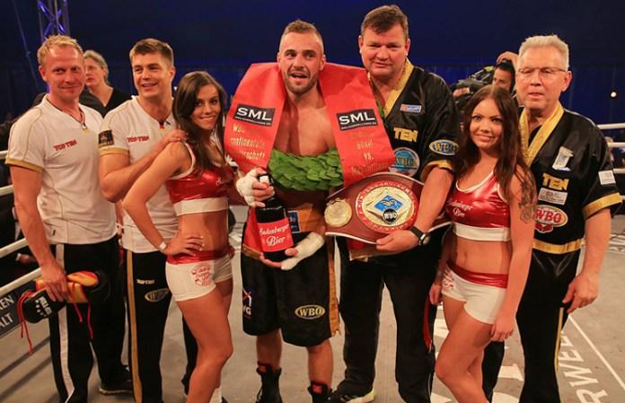 Rene' Friese, Dirk Dzemski, Dominic Bösel, Jörg Hohmann und Enno Werle / Foto: SES Boxing
