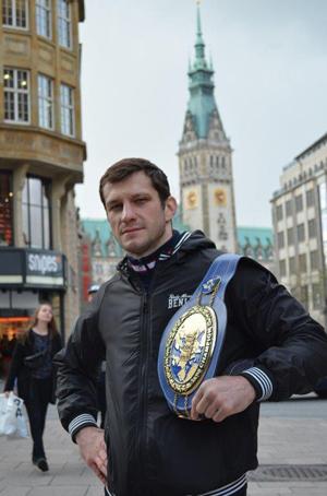 Igor Mikhalkin / Foto: EC Boxing
