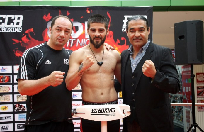 Bülent Baser, Fatih Keles und Erol Ceylan / Foto: EC Boxing