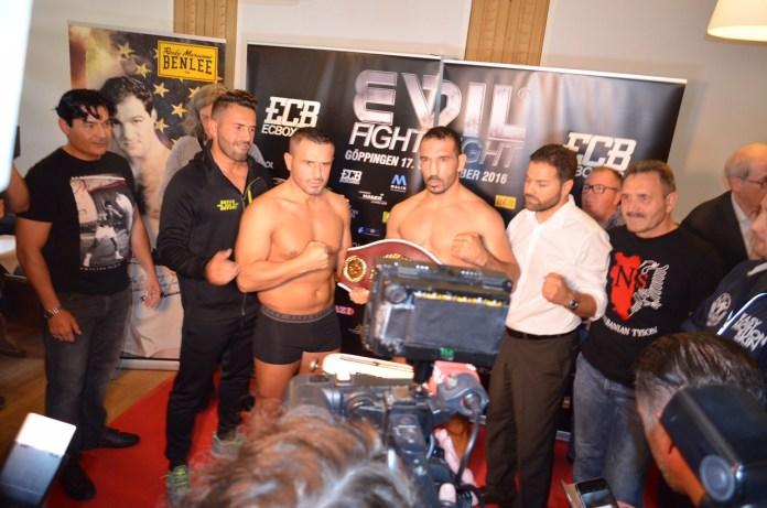 Arslan vs. Seferi / Foto: EC Boxing